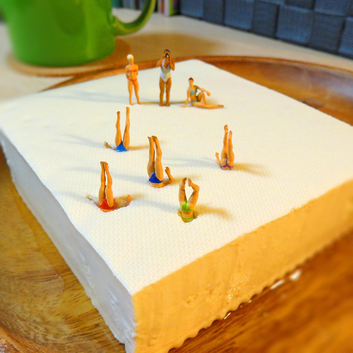 10月2日は豆腐の日!豆腐でシンクロナイズドスイミングする選手たち