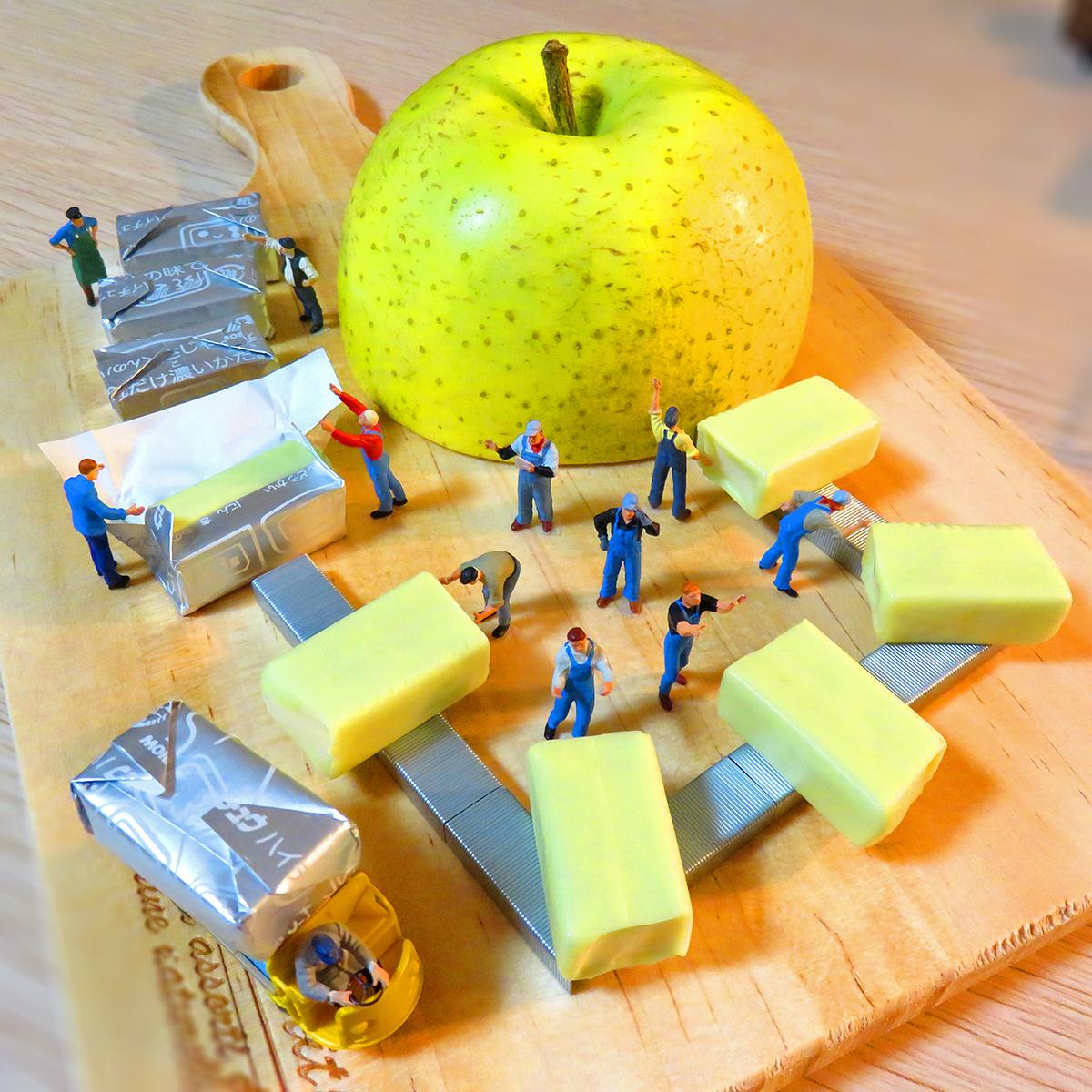 青リンゴのハイチュウ工場!果汁入りグリーンアップル味を生産する森永の作業員