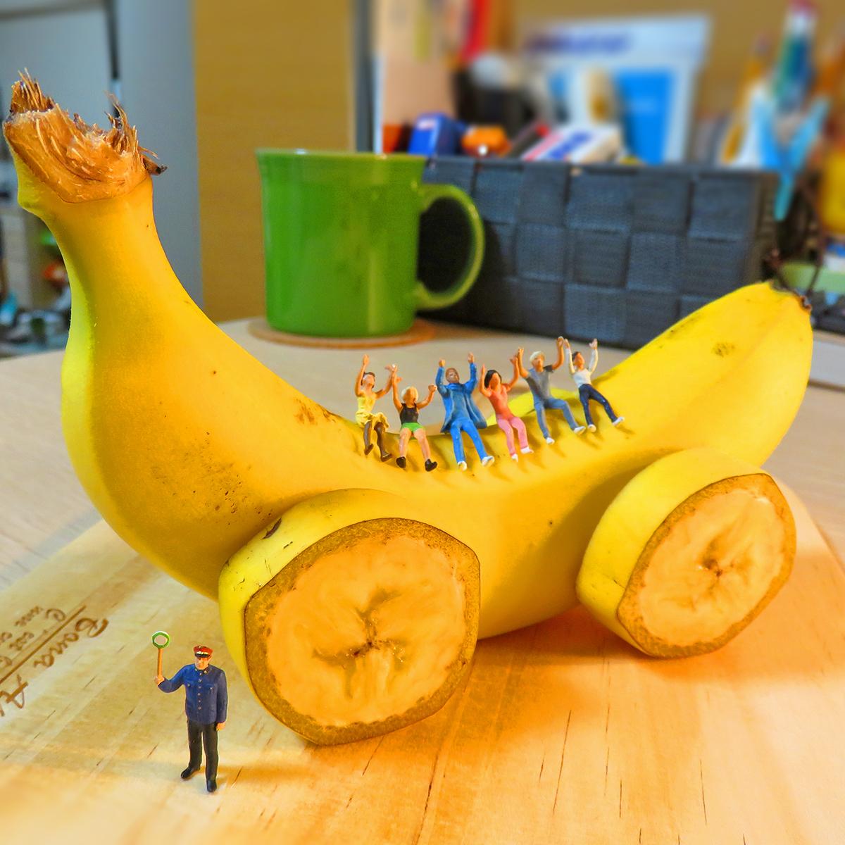 8月7日はバナナの日!バナナカー作って小人を乗せてみた