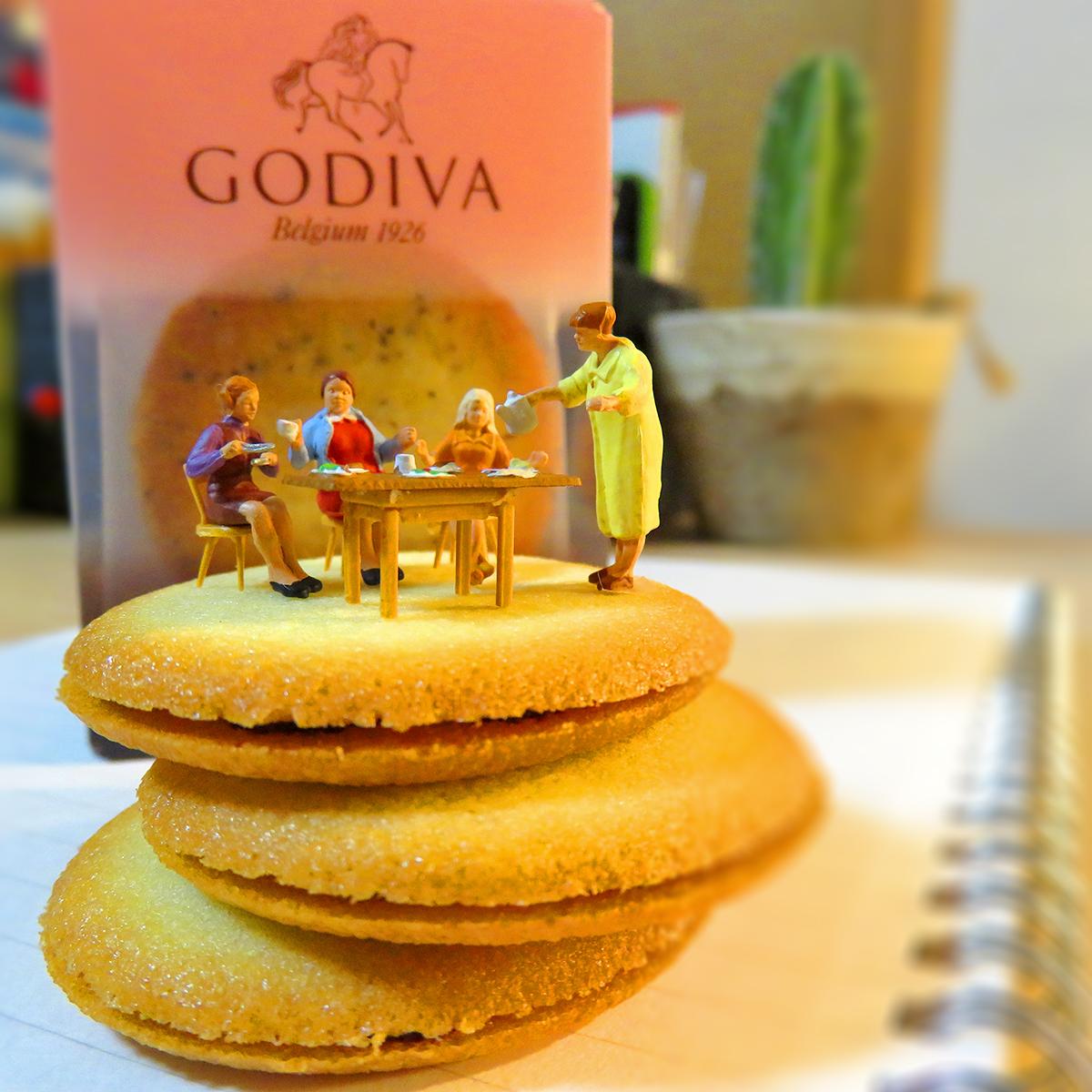 3月14日はホワイトデー!GODIVAの高級クッキーを嗜むセレブなマダム達
